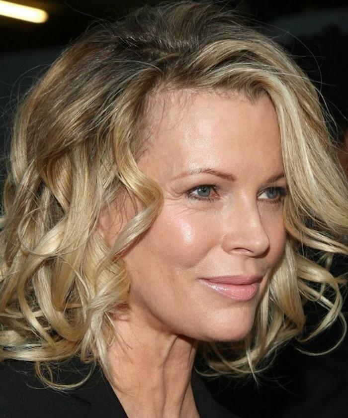 gallérie : Les +20 belles idées de coiffure femme 50 ans long - LiloBijoux - Bijoux Fantasie ...