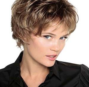 gallérie : Les +20 meilleures images de coiffure courte femme 60 ans lunettes - LiloBijoux ...