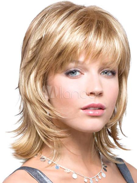 coiffure degrade court avec frange