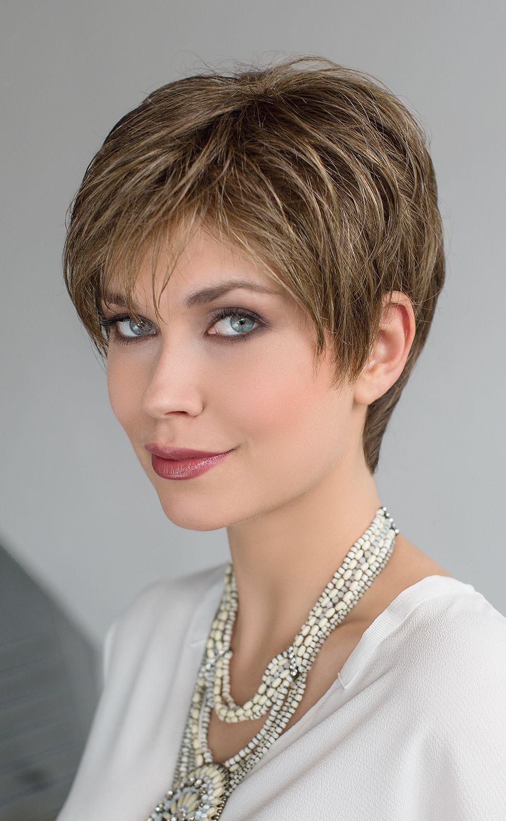 Épinglé sur Modèles Femmes cheveux courts / Women short