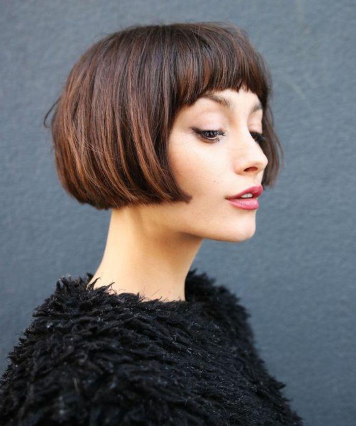 coiffure femme court avec frange