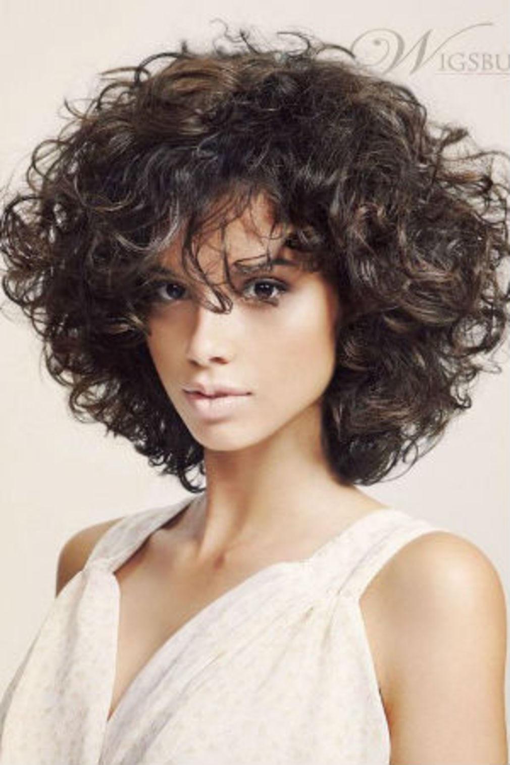 +20 meilleures idées de coupe de cheveux femme pour cheveux épais et frisés - LiloBijoux ...